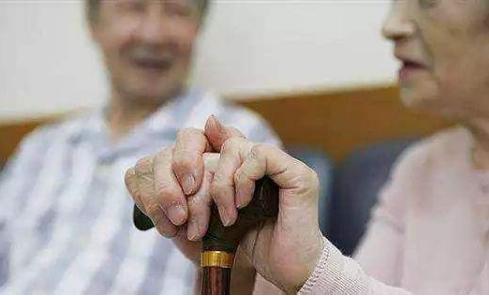 社区老年人衰弱综合征的影响因素和相关因子